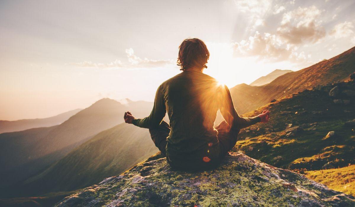 outdoor meditation refuel your soul