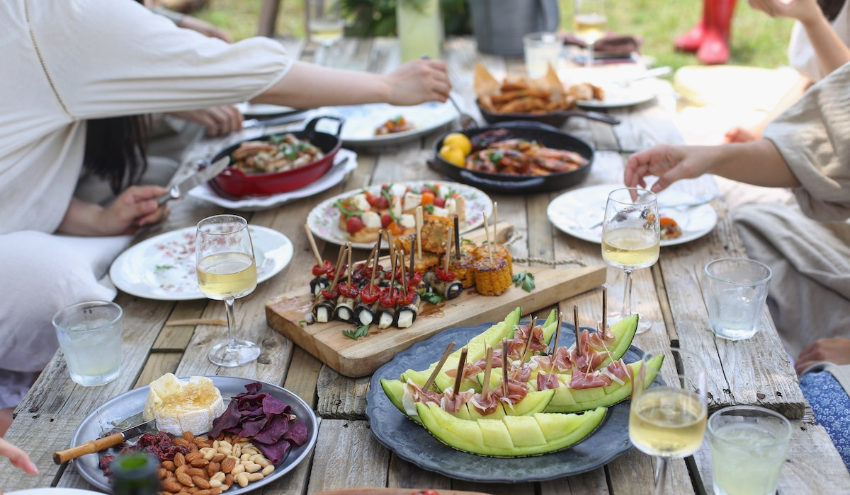 paleo picnic with friends