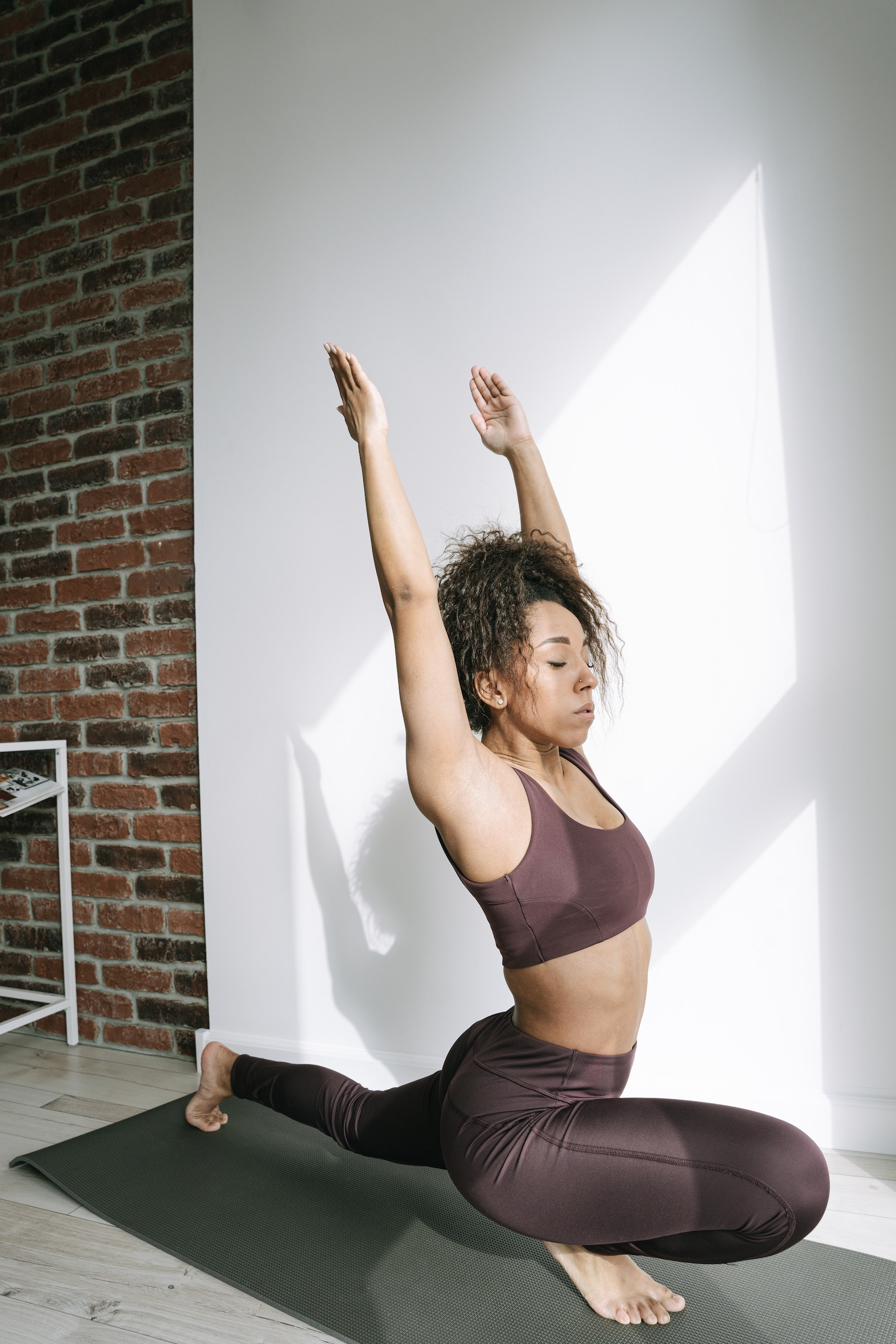 woman practicing kundalini yoga